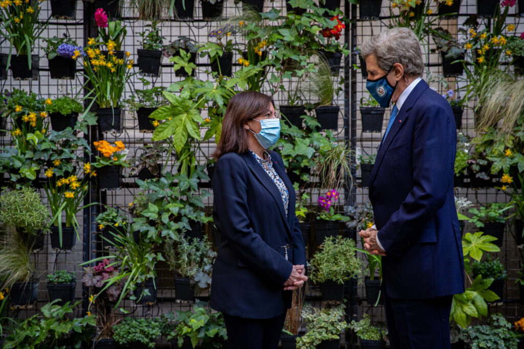 Special Presidential Envoy for Climate John Kerry (right) meets with Paris Mayor Anne Hidalgo (left) to discuss how cities can embrace sustainability and livability. Photo by Sylvain DeGelder